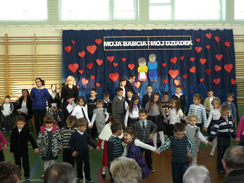 Szkoła Podstawowa W Kupiskach Dzień Babci I Dziadka 2014